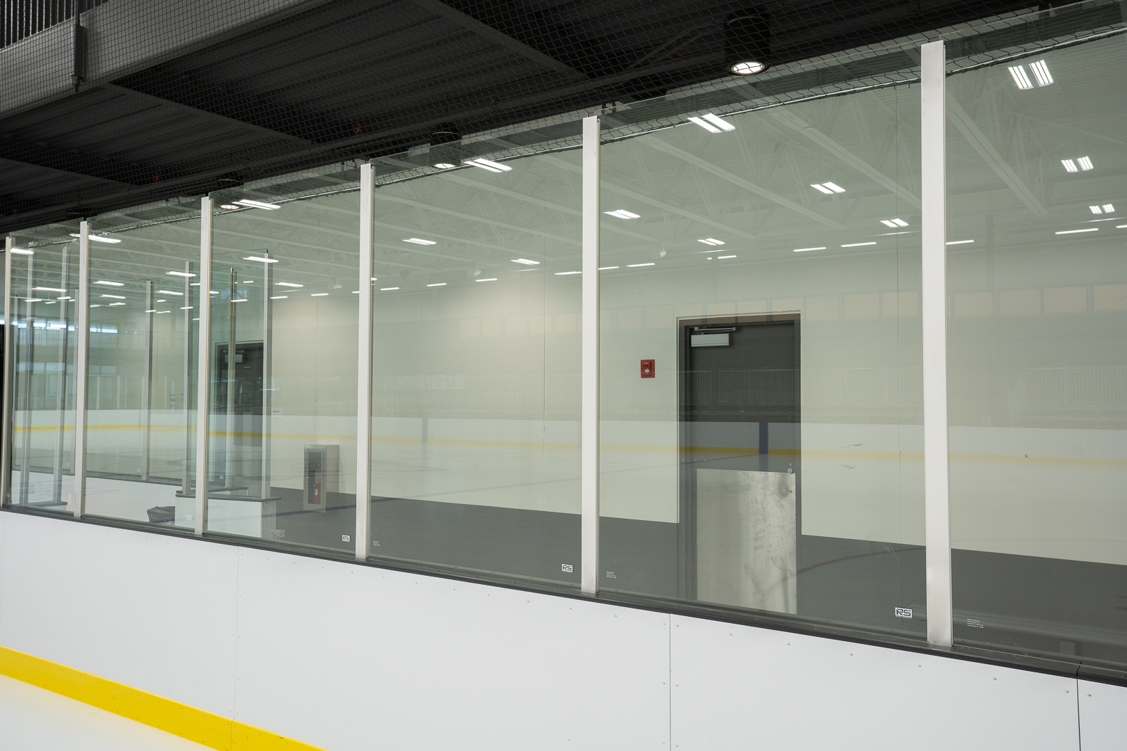 Glass supports ice side 2